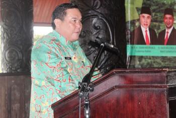 Bupati Kutai Barat memberikan arahan dalam Kiprah Desa 2019